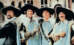FILM  THE FOUR MUSKETEERS (1974) OLIVER REED, RICHARD CHAMBERLAI