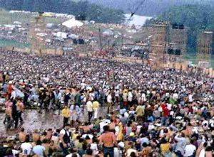 Woodstock_music_festival_redmond_stage