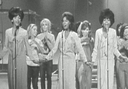 Ladies & gentlemen - The Supremes! (and Teri Garr)